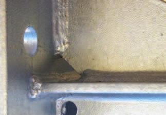 perçage pour faciliter l'écoulement du zinc